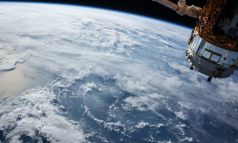 太空船需要怎样的电池?