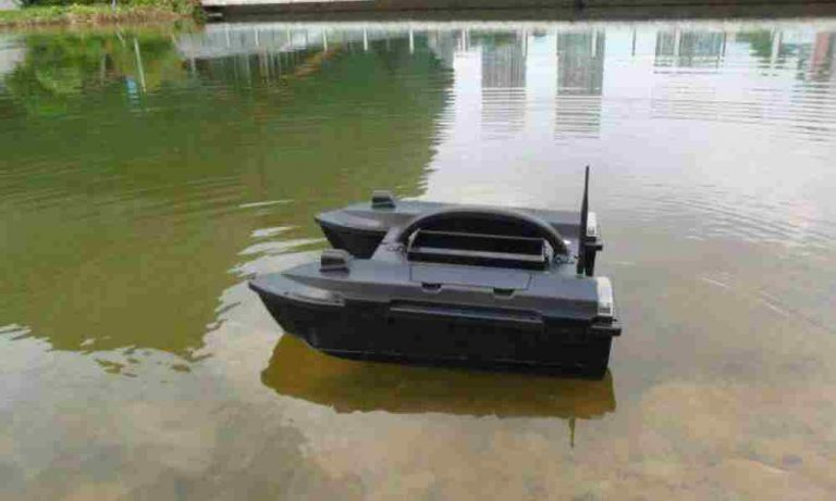 什么是智能遥控钓鱼打窝船?