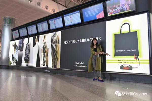 意大利设计师Francesca Liberatore与海报现场合照